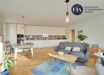 3 bed flat for sale in Bowline Court, Brentford Lock West, Brentford TW8