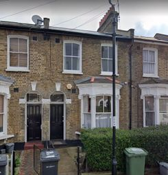 15B Edric Road, New Cross, London SE14. 1 bed flat for sale