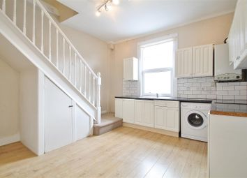 Thumbnail 1 bed flat to rent in South Street, Isleworth