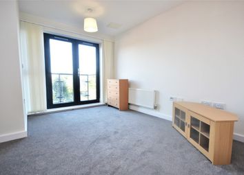 Thumbnail Studio to rent in Cottons Approach, Romford