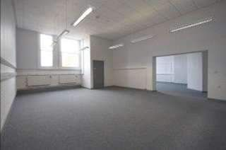 Thumbnail Serviced office to let in Beeston Road, Beeston, Leeds