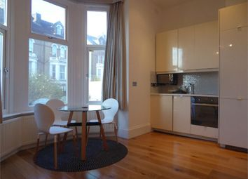 Thumbnail 1 bed flat to rent in Upper Grove, London