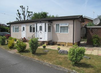 Thumbnail 1 bed mobile/park home for sale in Fowley Mead Park (Ref 5937), Longcroft Drive, Waltham Cross, Hertfordshire