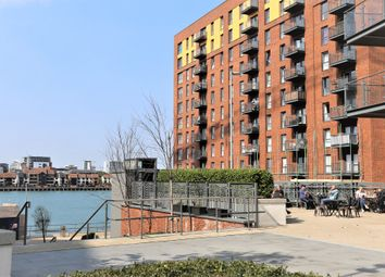 Thumbnail 1 bed flat for sale in Centenary Plaza, Southampton
