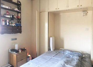 1 bed flat to rent in Bina Gardens, Kensington, London SW5