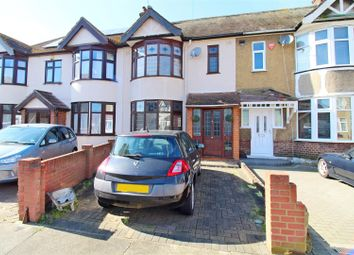 Dunmow Drive, Rainham RM13. 3 bed terraced house