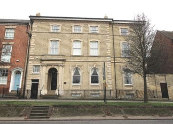 Thumbnail 5 bedroom town house to rent in North Parade, Grantham