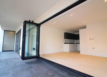 Thumbnail 1 bed flat to rent in Braywick Road, Maidenhead