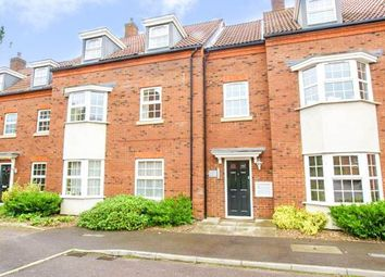 Thumbnail 2 bed flat to rent in Sefton Court, Welwyn Garden City