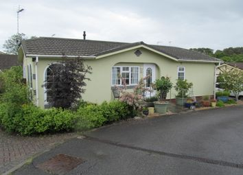Thumbnail 2 bed mobile/park home for sale in Fairview Park, Pottery Road, Bovey Tracey, Newton Abbot, Devon
