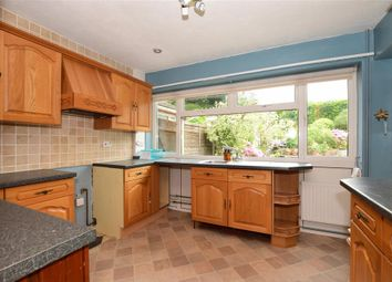 3 bed detached bungalow for sale in Clifton Close, Maidstone, Kent ME14
