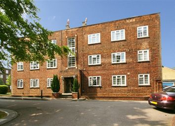 Thumbnail 3 bedroom flat to rent in High Street, London