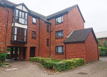 Thumbnail Studio to rent in Farriers Road, Epsom
