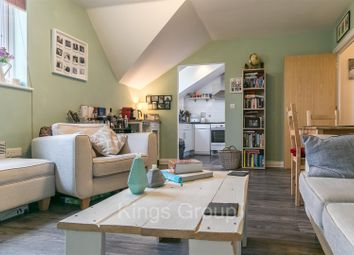 Thumbnail 2 bedroom flat for sale in Stants View, Hertford