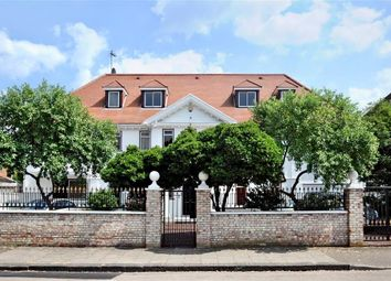 Thumbnail Detached house to rent in Roedean Crescent, London