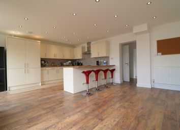 Thumbnail Room to rent in Fenlake Road, Bedford