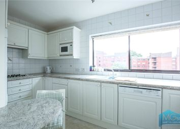 Thumbnail 4 bed flat to rent in Spencer Close, Finchley Central, London