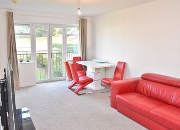 Stoneleigh Road, Clayhall, Ilford IG5. 2 bed flat