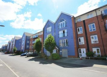 Thumbnail 2 bed flat to rent in Chadwick Road, Langley