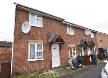 2 bed property to rent in Venables Close, Dagenham RM10