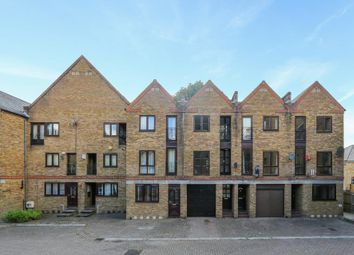 Thumbnail Town house for sale in Brunswick Quay, London