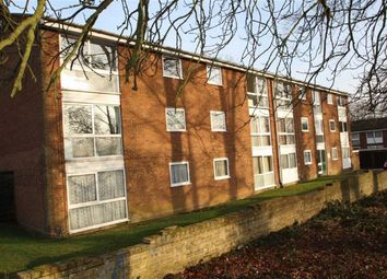 Thumbnail 2 bedroom flat for sale in Chenies Court, Hemel Hempstead, Hertfordshire