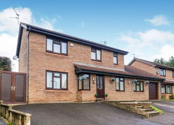 Thumbnail 4 bed detached house for sale in Roundel Close, Thornhill