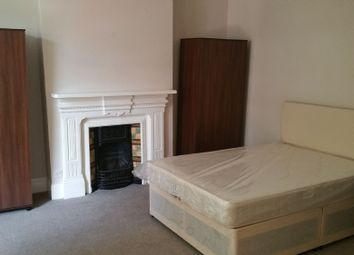 Thumbnail 7 bed terraced house to rent in Birnam Road, Holloway, London