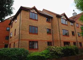 Thumbnail 2 bed flat to rent in Cumberland Close, Bristol