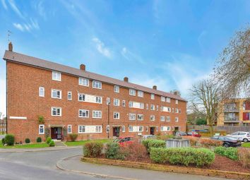 Thumbnail 2 bed flat for sale in Sheenewood, London