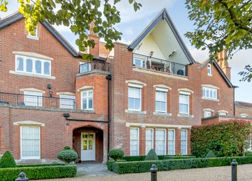 Thumbnail 3 bedroom flat for sale in Bedwell Park, Cucumber Lane, Essendon, Hatfield