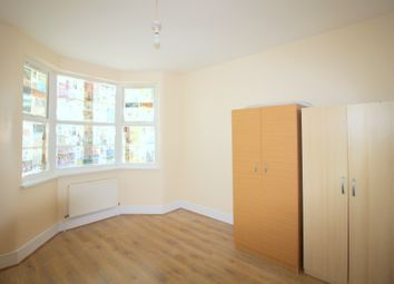 5 bed terraced house to rent in Corporation Street, London E15