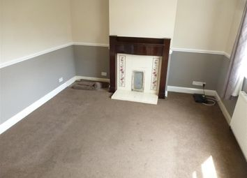 2 bed property to rent in Denfield Crescent, Halifax HX3