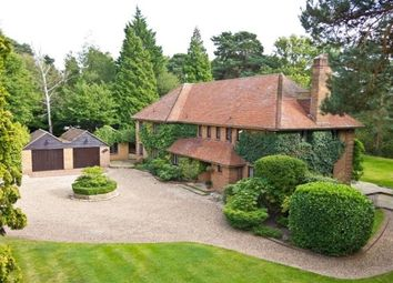 Thumbnail 6 bedroom property to rent in Brooks Close, Weybridge