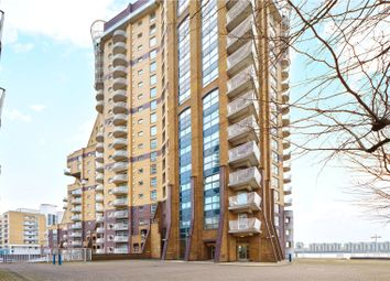 Thumbnail 3 bed flat to rent in Cascades Tower, 4 Westferry Road, London