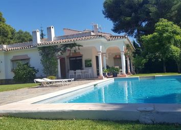 Thumbnail 4 bed villa for sale in El Paraiso, Malaga, Spain