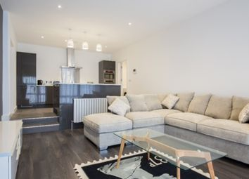 Thumbnail 3 bed flat to rent in Bartholomew Street East, Exeter