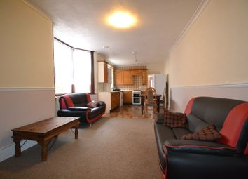 Thumbnail 2 bed flat to rent in Frobisher Road, Turnpike Lane - Harringay