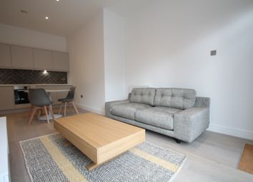 Thumbnail 2 bed flat to rent in Carey Road, Wokingham