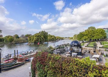 Thumbnail 3 bed flat for sale in Hill Rise, Richmond