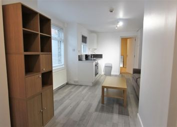 Thumbnail 1 bed flat to rent in Fairbridge Road, Holloway