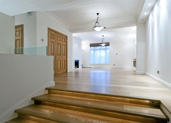 Thumbnail 3 bed flat to rent in Cadogan Place, London