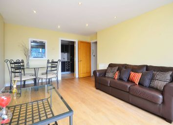 Thumbnail 2 bed flat to rent in Settlers Court, Canary Wharf