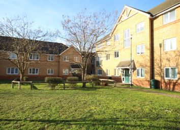 Thumbnail 2 bedroom flat to rent in Woodlands Close, Guildford