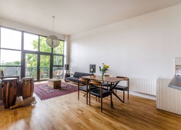 Thumbnail 3 bedroom flat for sale in Streamline Mews, East Dulwich