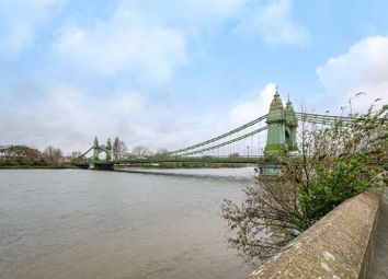 Thumbnail 1 bed flat for sale in Crisp Road, Hammersmith
