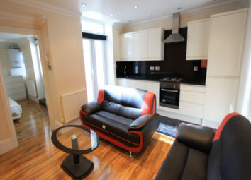 Thumbnail 2 bed flat to rent in Landor Rd, Clapham