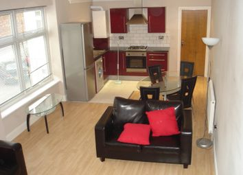 2 bed flat to rent in Clarendon Road, Luton LU2