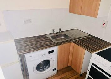 2 bed flat to rent in Stafford Street, Walsall WS2