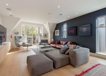 Thumbnail 2 bed flat for sale in Netherhall Gardens, Hamsptead, London